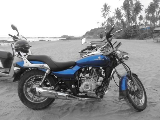 motocikl_na_poezde_v_Indii